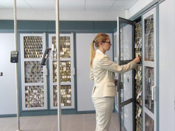 Elektroniske Nøglesystemer til DTU